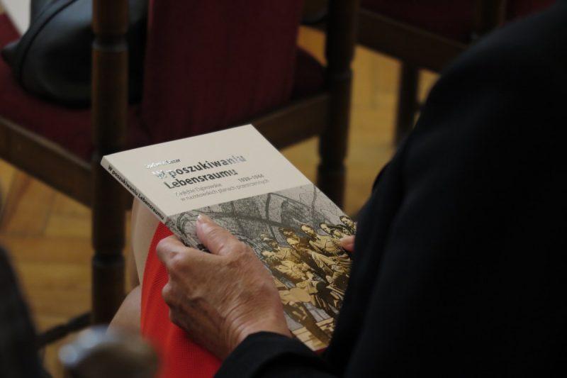 Promocja-ksiazki-w-poszukiwaniu-Lebensraumu_1600_72_01